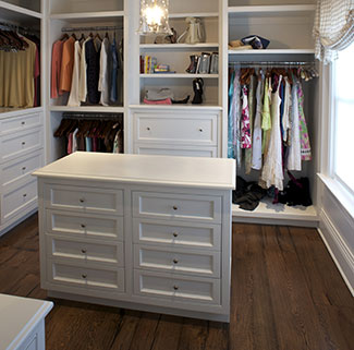 Custom closet construction
